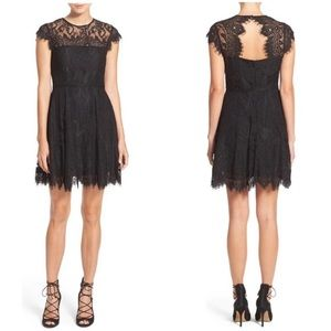 BB Dakota black Rihanna lace dress